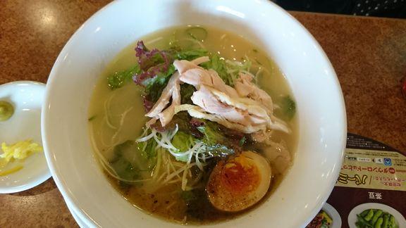 野菜たっぷり水炊き鶏白湯ラーメン.JPG